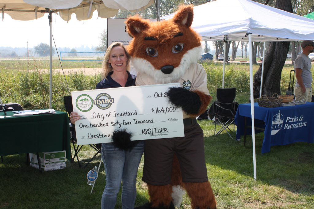 Presentation of project grant check to the City of Fruitland