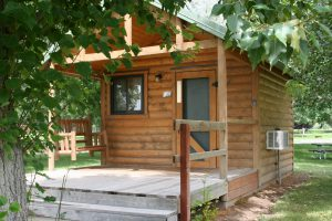 Exterior of Three Island Crossing cabin