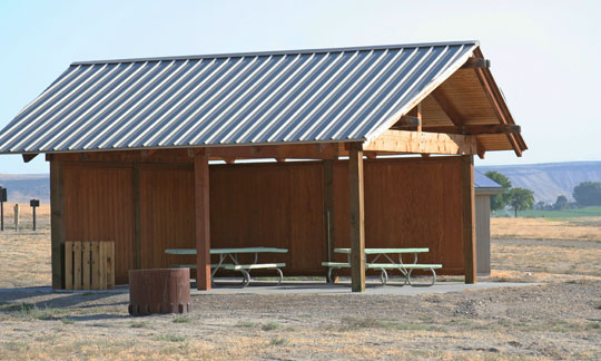 horse shelter area